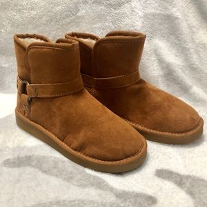 New UGG style boots by Arizona in Tan